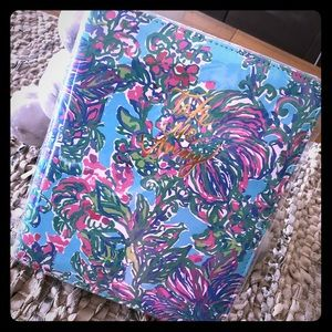 Lilly Travel Journal 📔 with zipper